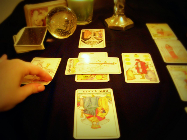Method of Celtic cross tarot Spread